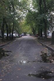 Jura-Soyfer-Straße in Charkiw bei Regenwetter